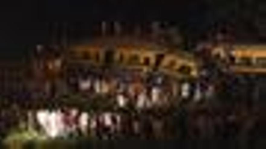 Al menos 15 muertos en un choque de trenes al sur de El Cairo
