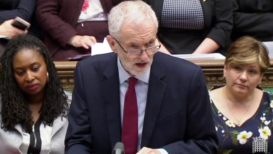 Líderes opositores urgen a Corbyn a unir fuerzas para un segundo referéndum