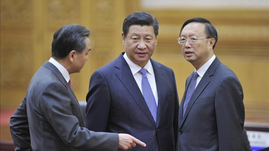 Japón y China celebran su primera reunión ministerial tras 2 años de tensiones