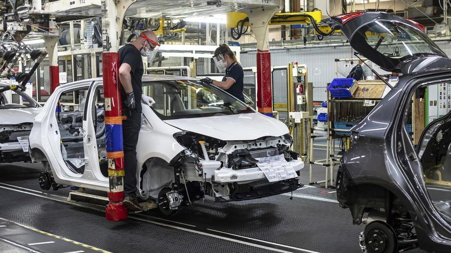 Las ventas de coches en Francia vuelven a subir por vez primera en 3 meses.
