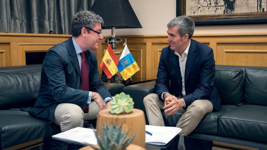 Álvaro Nadal y Fernando Clavijo