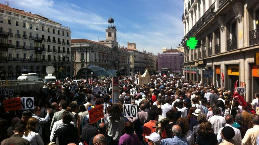 La marea blanca abarrota la Puerta del Sol / Foto: @jaelle_