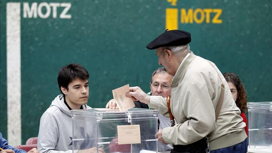 El PNV ganaría en San Sebastián y EH Bildu sería tercero al 67% escrutado