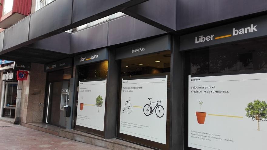 Liberbank no plantea despidos pero sí recortes salariales y de beneficios sociales