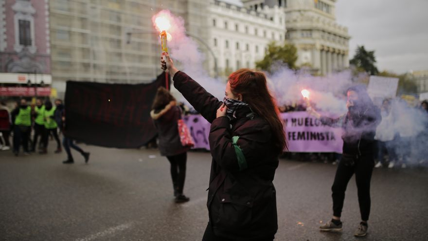Bengalas para visibilizar la lucha contra la violencia de género