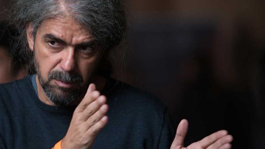 Fernando León de Aranoa en el rodaje de 'Loving Pablo'