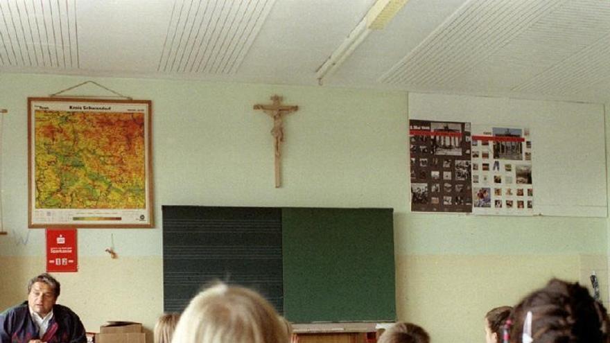 """El arzobispado de Toledo difunde la petición de grupos católicos de prohibir en las aulas la """"ideología de género"""""""