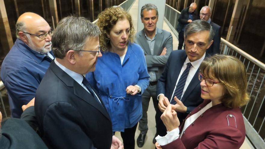 El presidente de la Generalitat, Ximo Puig, y la consellera de Agricultura, Elena Cebrián, en Aguas de Alicante.