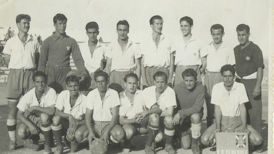 Formación del CD Tenerife de la temporada 1950/1951.