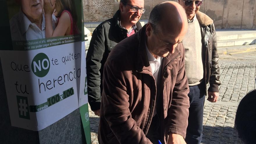 El PP consigue más de 700 firmas en Lepe contra el impuesto de sucesiones de la Junta