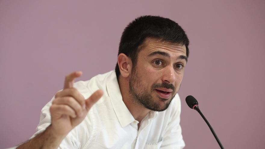 Espinar admite que ganó 19.000€ de plusvalía al vender un piso comprado con un préstamo de su madre, padre y abuela