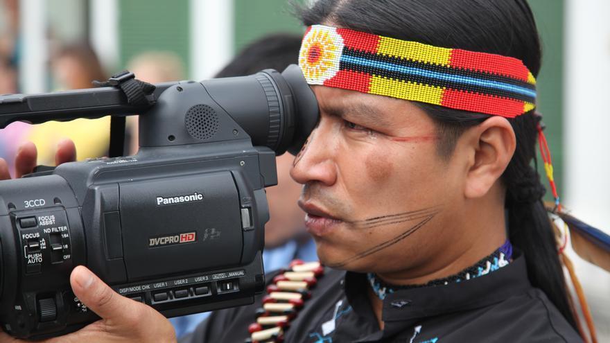 Heriberto Gualinga, cámara y activista indígena Sarayaku, creador del documental 'Los Descendientes del Jaguar'. Fotografía: AI
