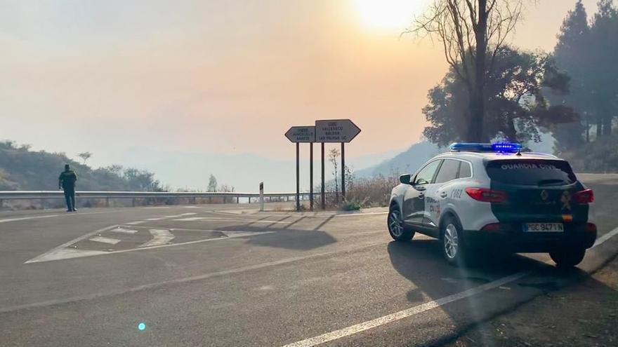 Ascienden a once las carreteras cortadas por el incendio en Gran Canaria