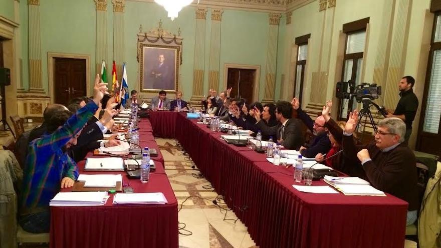 El Ayuntamiento aprueba en Pleno por unanimidad la primera ordenanza de transparencia