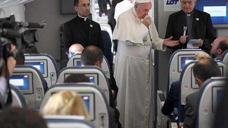 El papa cree que se quiere al Vaticano en el grupo mediador sobre Venezuela