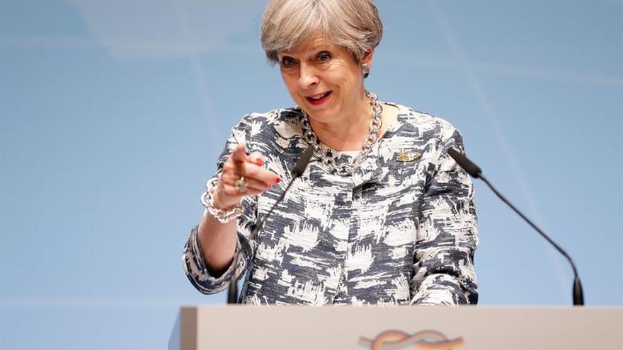 """May prevé pagar hasta 54.500 millones de euros por el """"brexit"""", según The Times"""