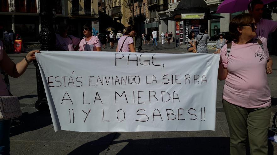 Pancarta este lunes en la toledana plaza de Zocodover