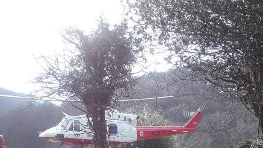 Evacuada en helicóptero una senderista con posible fractura de tobillo del monte Ozcaba