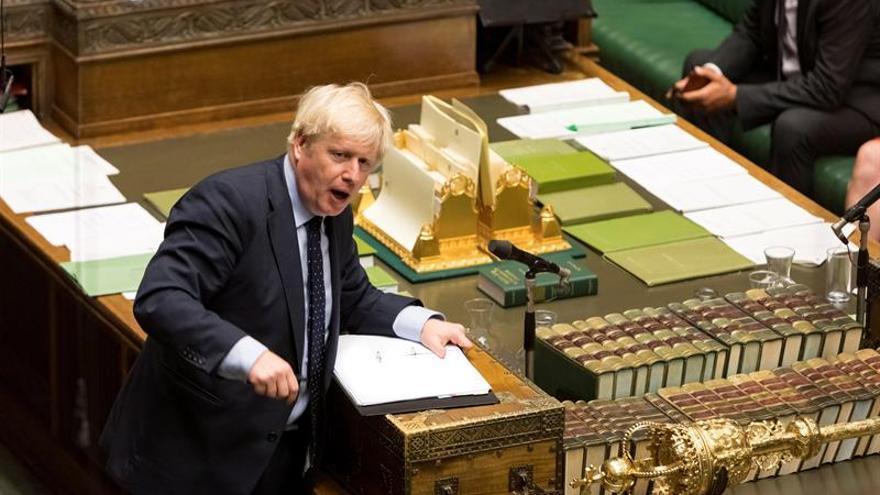 """El Parlamento británico aprueba tramitar una ley contra un """"brexit"""" duro"""