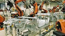 Fábrica de automóviles de robots.