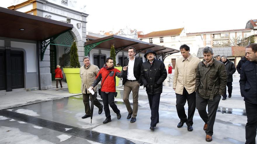 Inaugurada la urbanización de la Plaza de Abastos tras una inversión de casi un millón de euros