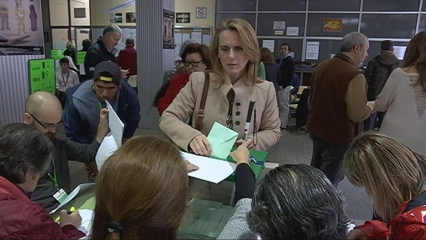 Nuria del Saz votando