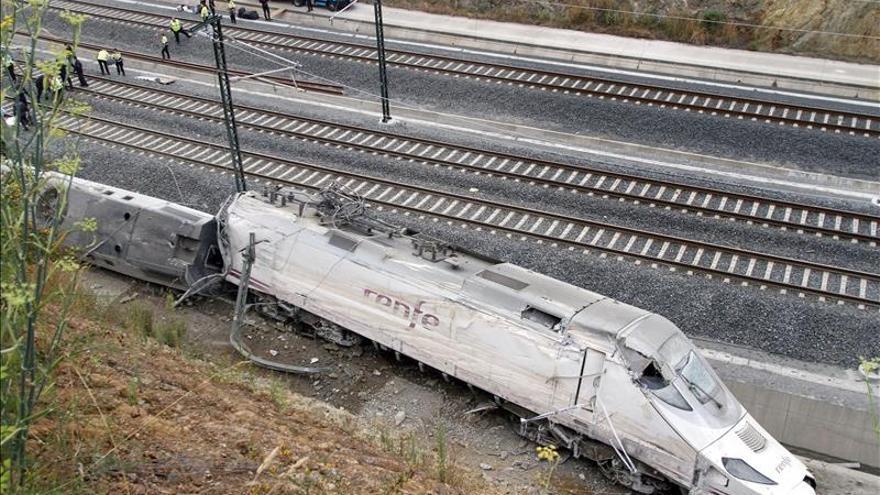 Las víctimas del accidente de Santiago, convencidas de que se pudo evitar