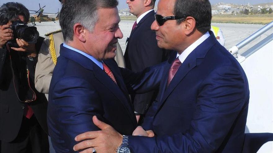 Arranca un foro mundial en Jordania centrado en economía y seguridad regional