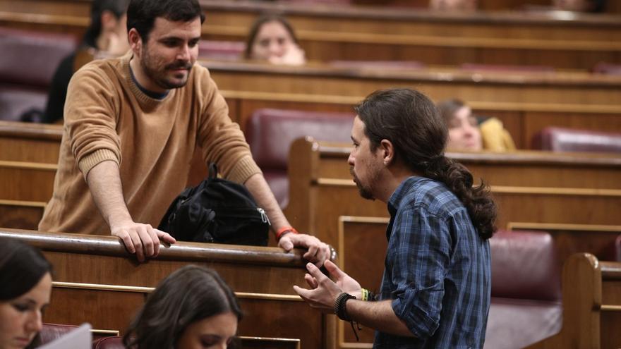 """Garzón equipara a Rajoy con Pujol, ambos con la """"estrategia"""" de declarar en plena operación salida de vacaciones"""
