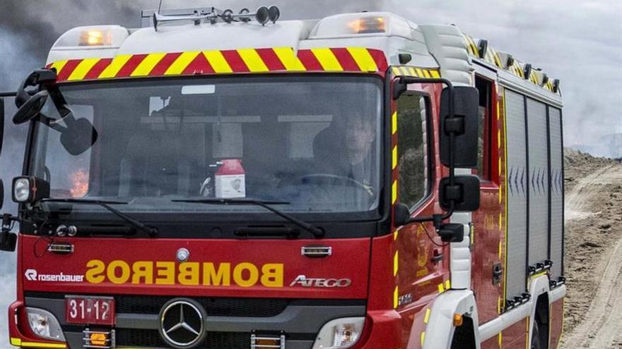 Un incendio afecta a empresa de reciclaje de Sant Feliu de Buixalleu (Girona)