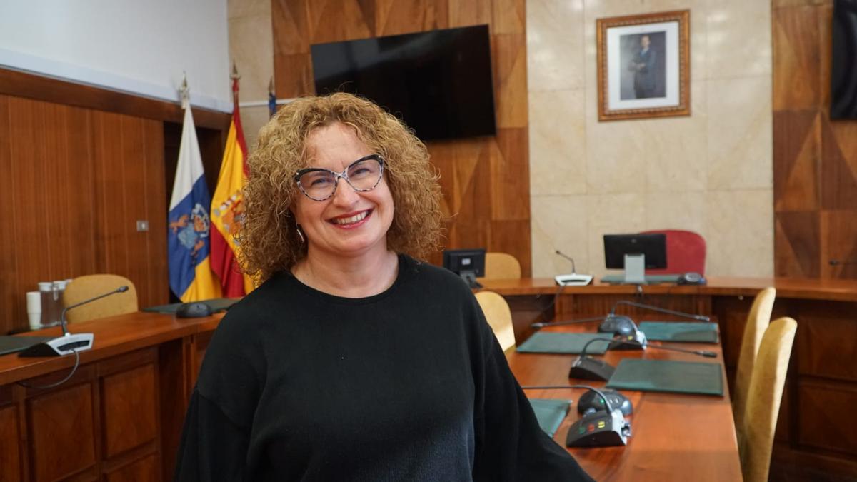 Nieves Hernández.