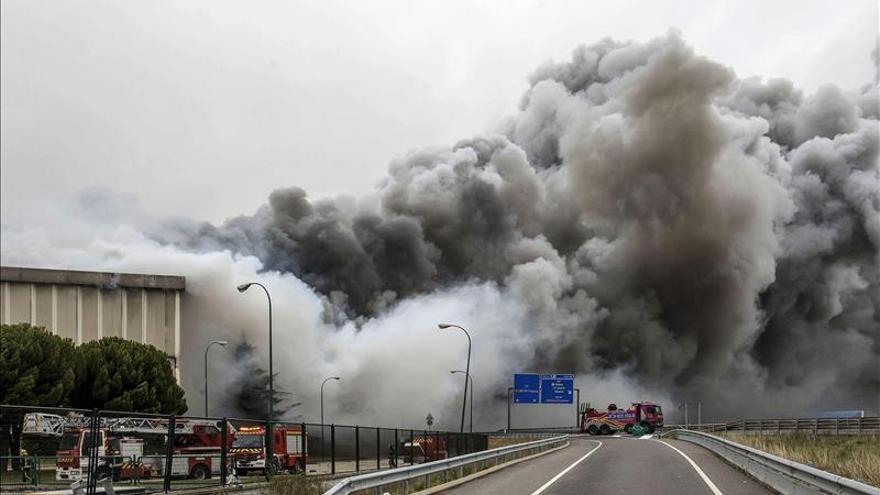 Un incendio causa daños muy graves en la fábrica de Campofrío en Burgos