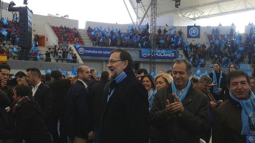 Rajoy no llena la plaza de toros de Las Rozas (Madrid) en su mitin más multitudinario de la campaña