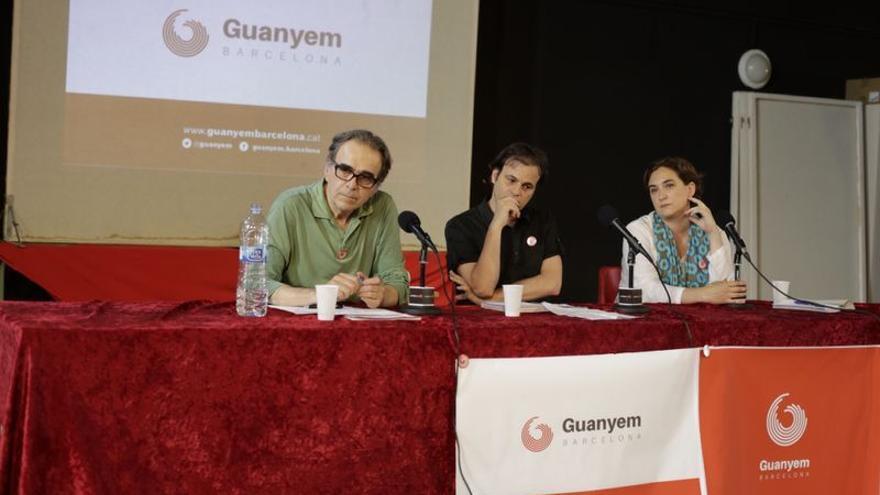 Joan Subirats, Jaume Asens y Ada Colau, en la presentación de Guanyem Barcelona. / EDU BAYER