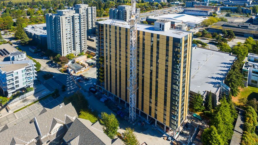 La torre Brock Commons de 18 plantas en Vancouver, Canadá.