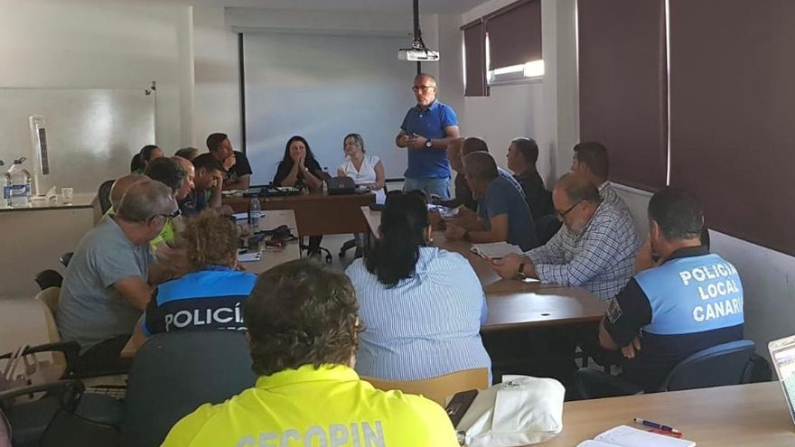 Reunión preparatoria del dispositivo de seguridad del macroconcierto del 'Isla Bonita Love Festival'.
