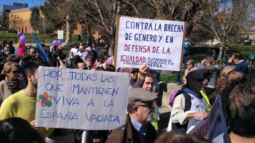 Las protestas más numerosas han sido las de Badajoz, Cáceres y Mérida