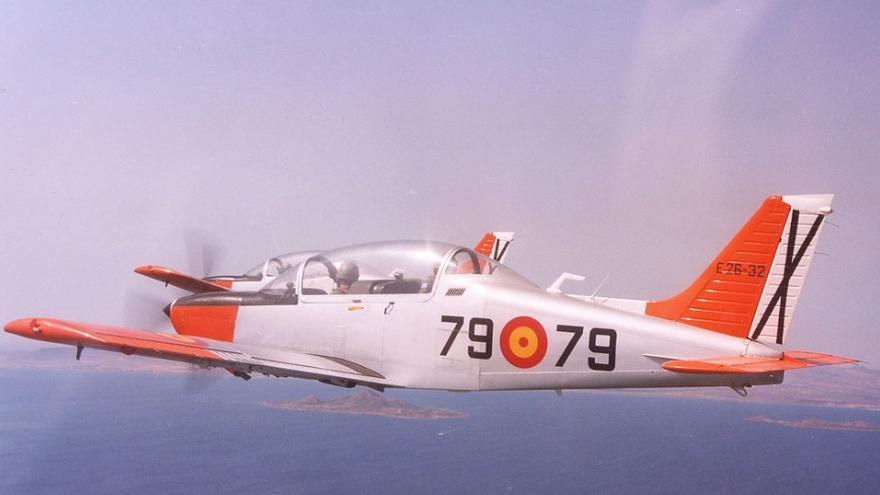 Una aeronave de enseñanza elemental E26 Tamiz del Ejército del Aire, como la siniestrada