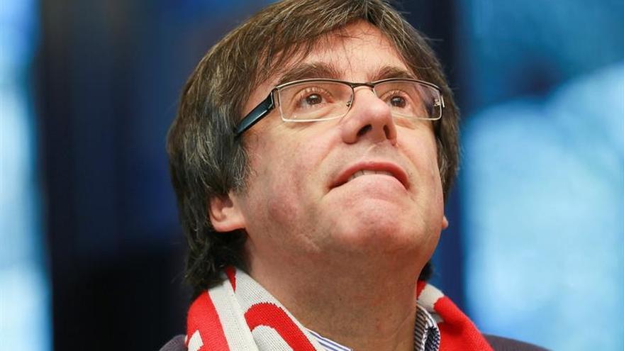 """Puigdemont llama a construir un """"país mejor"""" ante los que quieren """"liquidar"""""""