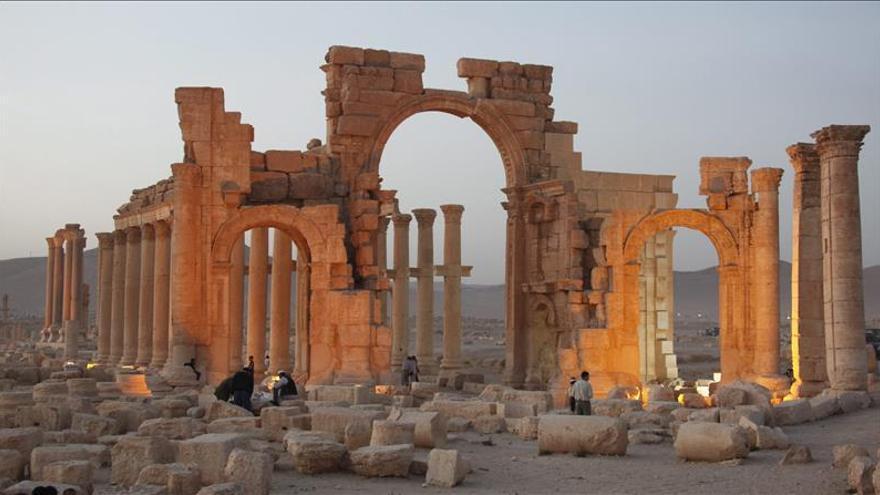 Yihadistas dinamitan varias columnas de la histórica ciudad siria de Palmira