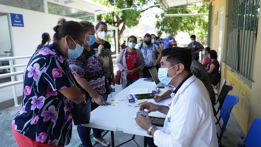 Más de 27.500 salvadoreños completan la vacunación contra el SARS-CoV-2