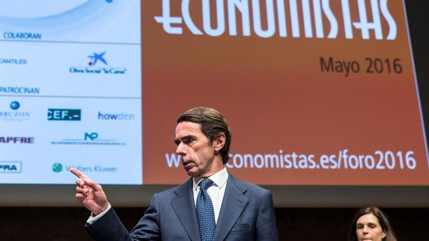 """Aznar ve un """"error"""" relajar la corrección del déficit y aboga por acelerarla"""