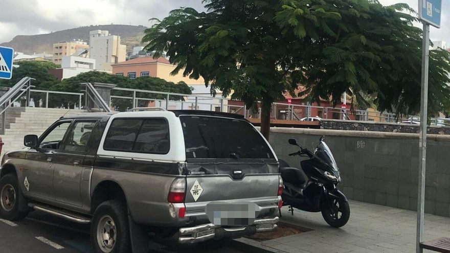 Imagen servida por la Policía Local del vehículo con el que se cometió la infracción en la capital tinerfeña