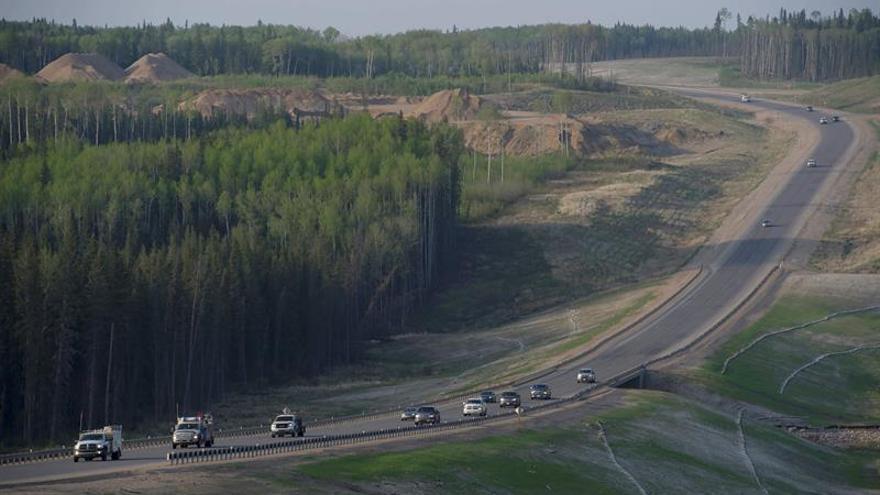 El incendio del noroeste de Canadá se amplía a 4.230 kilómetros cuadrados