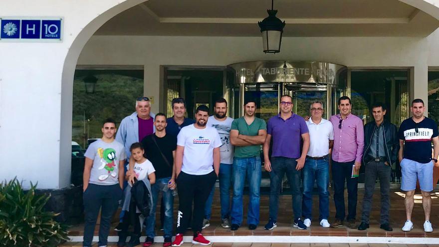 Participantes en la reunión de Escudería La Palma.