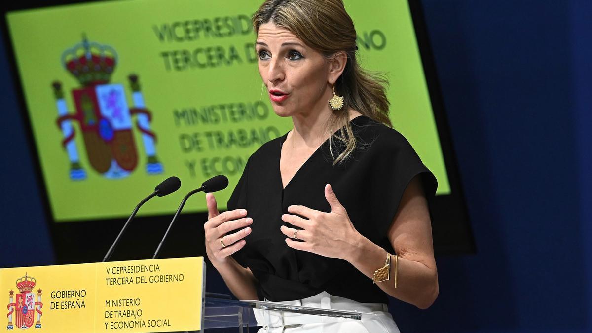 La ministra de Trabajo, Yolanda Díaz presenta este viernes en la sede del Ministerio en Madrid la propuesta para la Conferencia Sectorial en materia de Políticas Activas de Empleo.