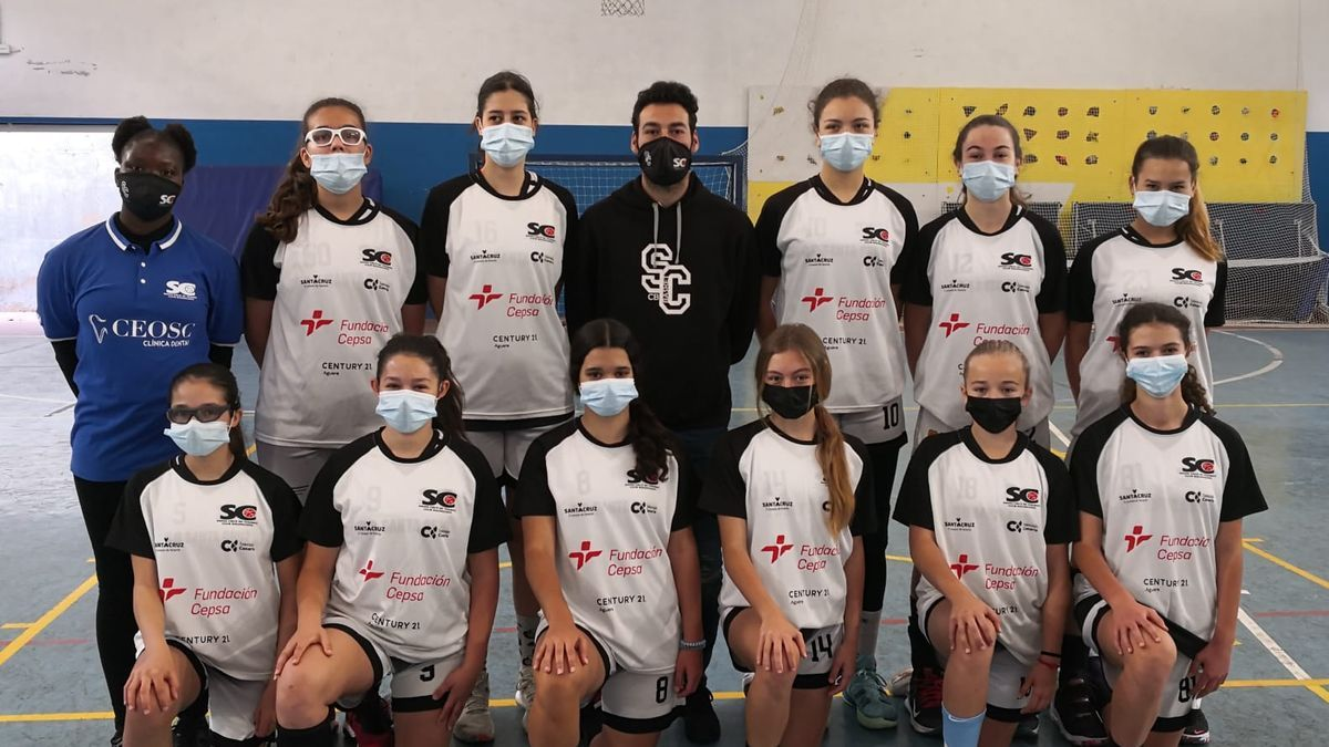 Integrantes del CB Santa Cruz Infantil Femenino.