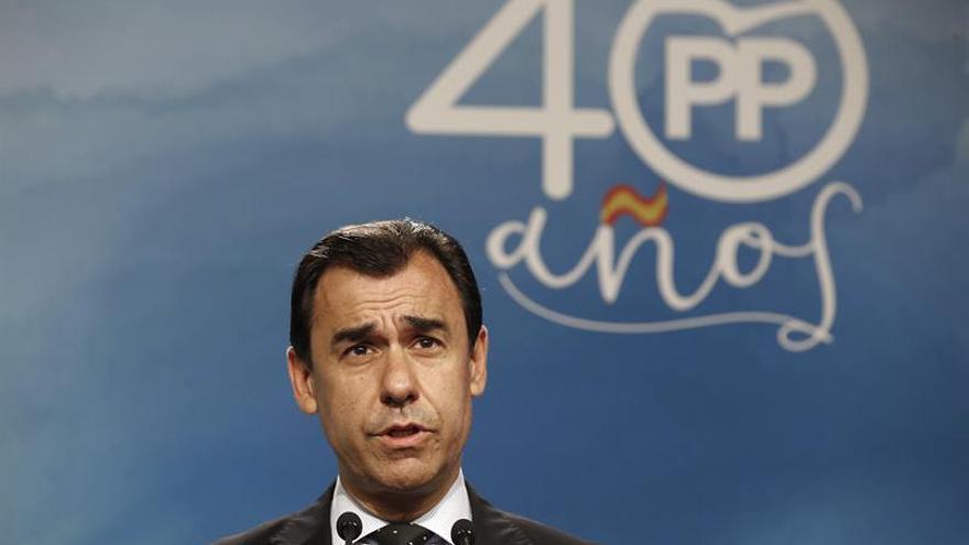 Maillo pide a Puigdemont reconducir la situación y no tirarse a la piscina sin agua