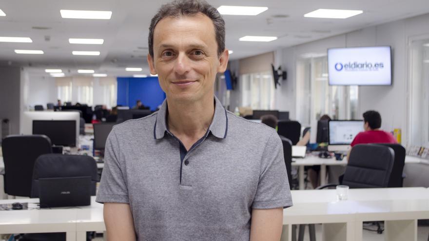 El astronauta español, Pedro Duque en la redacción de eldiario.es responde a los usuarios de Pregúntame \ Alejandro Navarro Bustamante