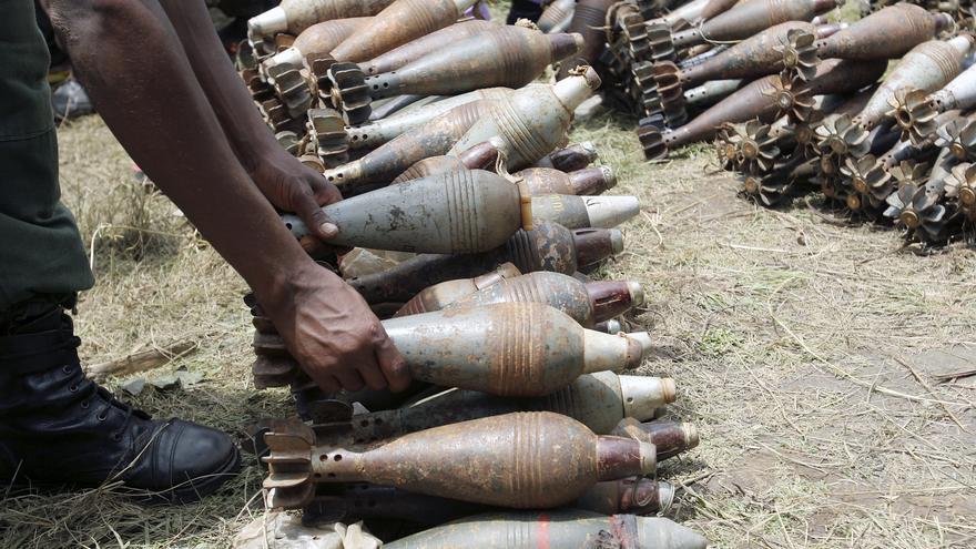 Morteros entregados por las fuerzas rebeldes CNDD-FDD en Burundi © UN Photo/Martine Perret